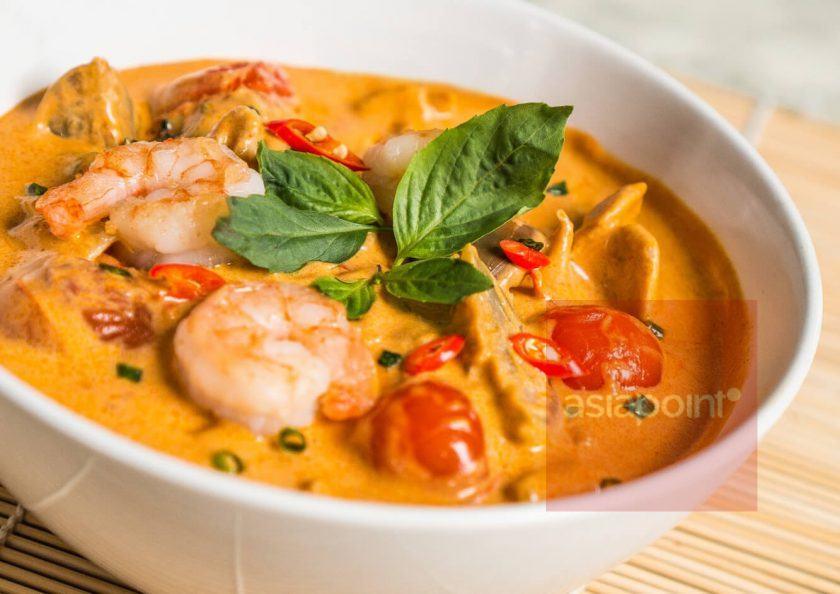 Rotes Curry mit Garnelen und Thai-Auberginen