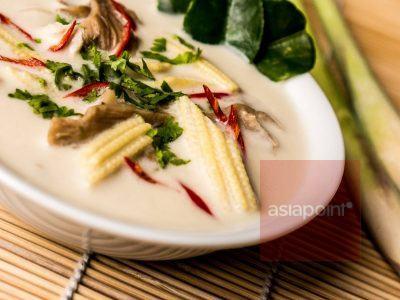 Tom Kha Gai (Hühnersuppe mit Kokosmilch)